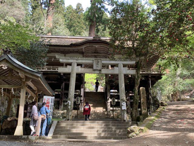 鞍馬寺の由岐神社