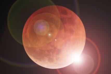 5月の満月は皆既月食
